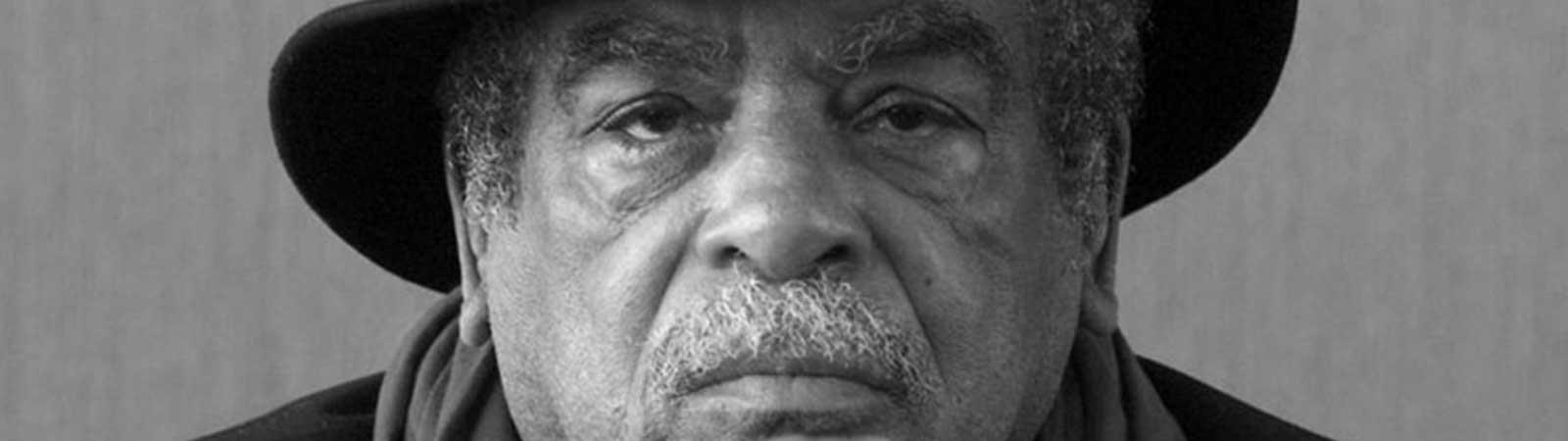 LES ARCHIVES D'EDOUARD GLISSANT ELEVEES AU RANG DE TRESOR NATIONAL