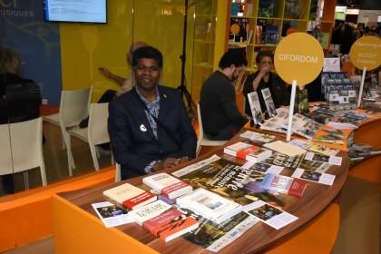 Thierry CARPAYE sur le Stand du CIFORDOM - Salon du Livre Paris 2016